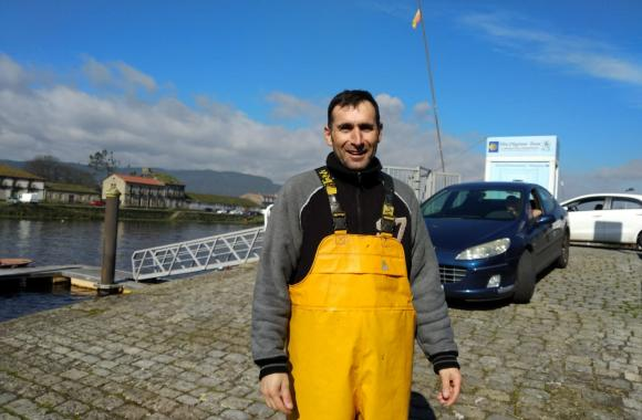 Pepe Barreiro, pescador de lampreas no río Ulla