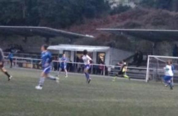 O Maniños da Liga feminina de fútbol oito prepara o derbi