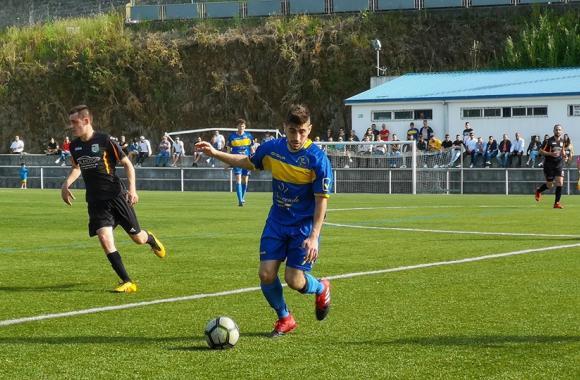 Perlío 2 - 4 Abellá. Promoción de ascenso á Primeira Galicia de fútbol
