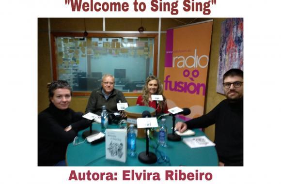Elvira Ribeiro no club de lectura de Radio Fene Radiofusión