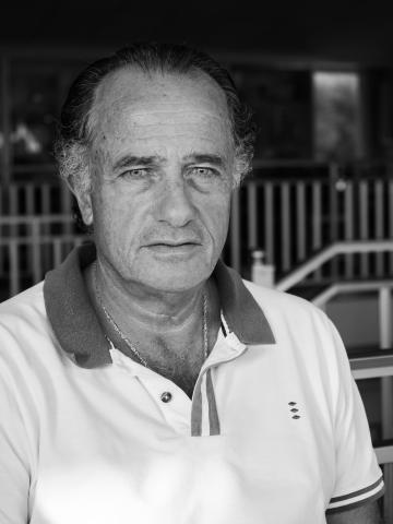 César Castro no papel de Rocha