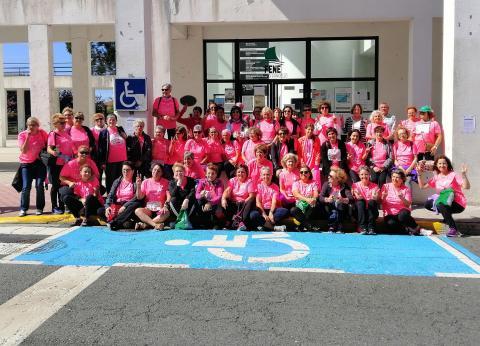 Participantes da asociación Por Máis Vida na Carreira da Muller da Coruña
