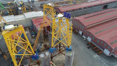 A enerxía eólica xenera pouca carga de traballo en comparación coa construción naval