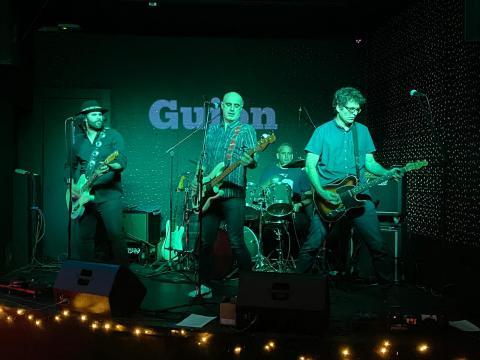 Os grupos musicais louban as condicións acústicas da sala Guión Club