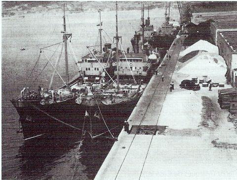 Bacalladeiros da Pysbe no porto de Ferrol