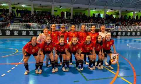 Lucía Paz coa selección española de fútbol sala feminino sub-19