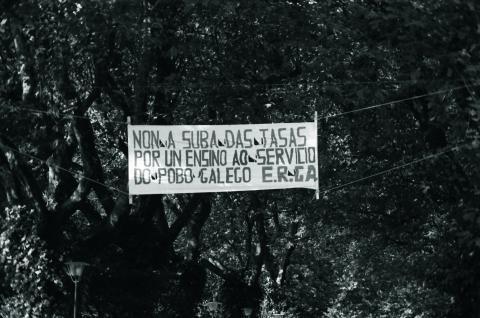Contra a suba das taxas na Universidade de 1980. Fotografía: Xan Carballa
