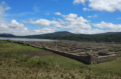 Restos arqueolóxicos do campamento romano en Bande