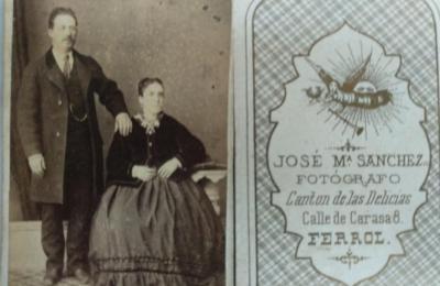 Fotografía dunha parella realizada por José Manuel Sánchez Seara. Ferrol 1871. Arquivo Guillermo Escrigas