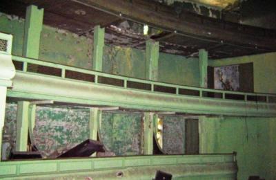 Interior do cine Adriano. Barallobre. Fene