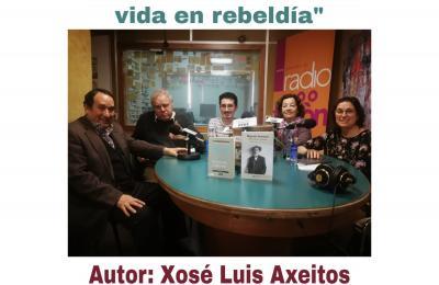 Xosé Luís Axeitos no club de lectura de Radio Fene Radiofusión