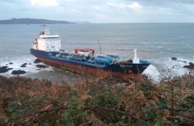 O Blue Star embarrancou na costa de Ares o venres 22 de novembro de 2019