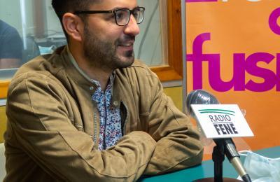 Francisco Leira no clube de lectura de Radio Fene Radiofusión