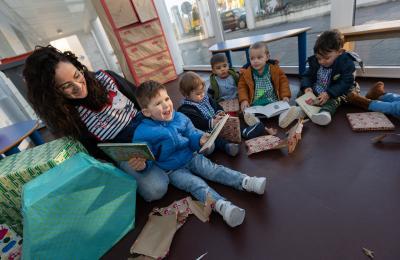 Agasallos do Apalpador na Escola As Roladas de San Sadurniño