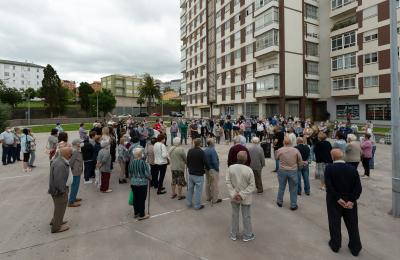 Protesta contra o peche da sucursal de Abanca en San Valentín. Fene