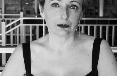 Elisabeth Naveiras fai o papel de Esther
