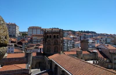 Cimborrio desde a torre da catedral de Ourense