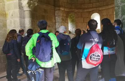 Explicacións no mosteiro de Caaveiro
