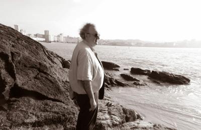 Antonio Tizón na praia do Matadeiro. A Coruña
