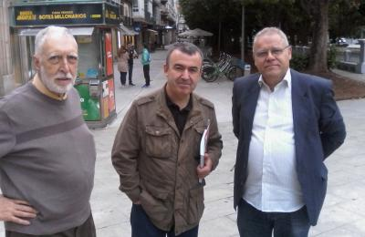 Miguel Justo (Central Librera da rúa Dolores de Ferrol) con Lorenzo Silva e Henrique Sanfiz. 2017