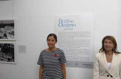Almudena Marcos (Museo do Humor de Fene) e Verónica Rego (Abanca)