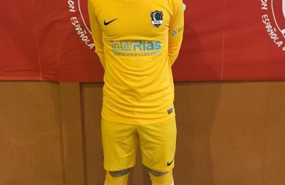Adrián Martínez Tornín coa camisola da selección galega cadete de fútbol sala