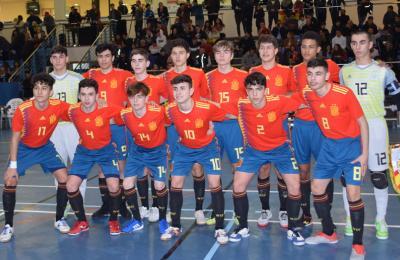 Adrián Martínez Tornín, coa selección española de fútbol sala Sub 17