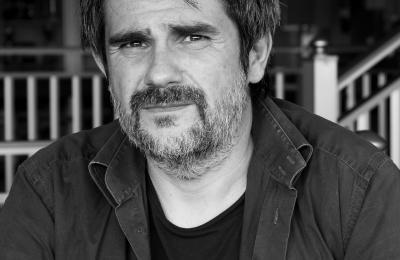 Óscar Gáez encarna a Tino, o fillo de Paloma