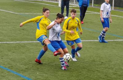 Perlío 2 -1 Maniños. Liga feminina de fútbol oito