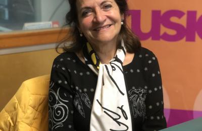 Esperanza Piñeiro no estudo de Radio Fene