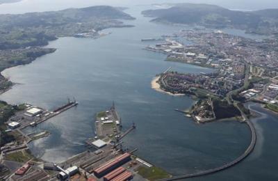 Trazado curvo da ponte das Pías entre Fene e Ferrol