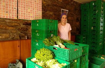 Bárbara Rivera, cos produtos de Agronúquel