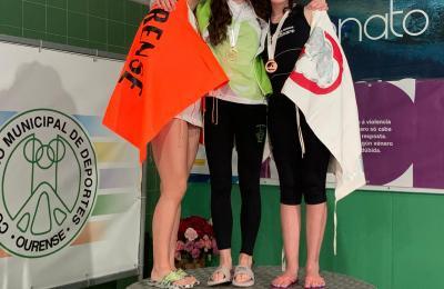 Maia López Rodríguez do club Sincro Ferrol no podio